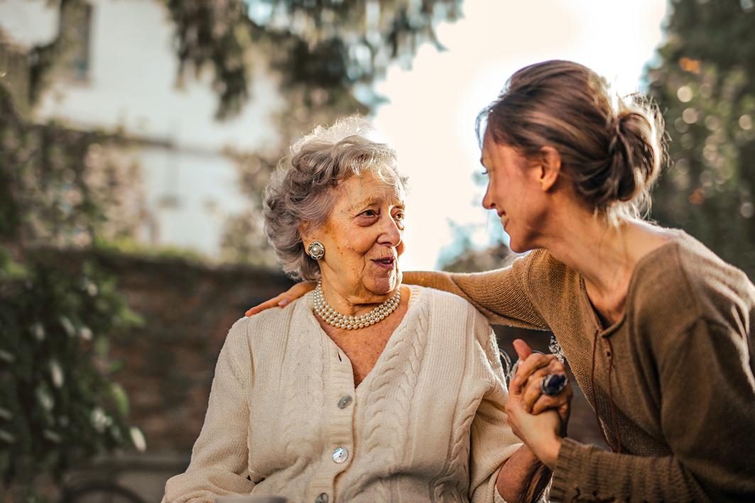 ayuda psicológica para cuidadores de personas mayores