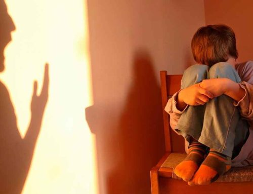¿Qué es la violencia vicaria? Causas y consecuencias psicológicas